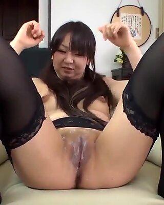 Morita Kurumi gives head and provides special details