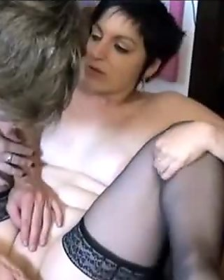 A french amateur MILF get fucked hard