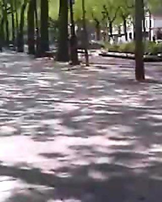 Femme au jolie cul  qui fait son jogging