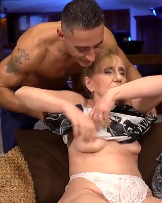 Naughty granny finally gets some hardcore fucking