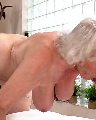 Seksikäs mummo pantu todella kova