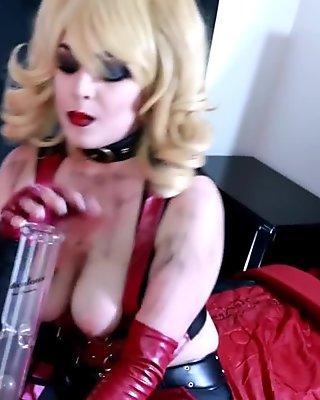 A Footjob from Harley Quinn