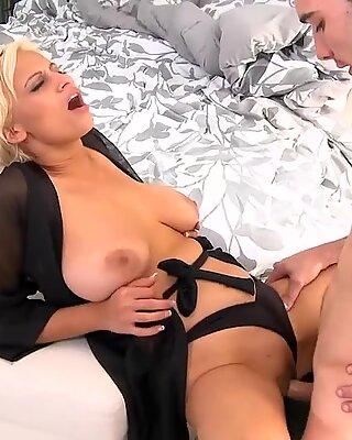 Hot fucking session med en milf