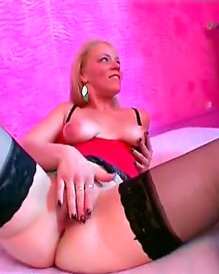 SQUIRT incredible vagina contractions!! French amateur