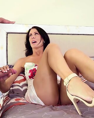 Getting jizzy with my friend's mom Reagan FoxxReport this video