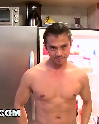 Gaywire - Min Asiatisk Kjæreste Niko Reeves elsker å kjøre sin kutt Kuk
