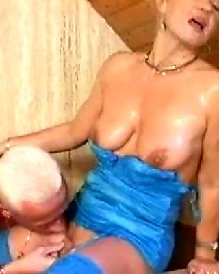 Bea Dumas gets her ass fucked