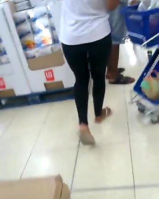 Jolie cul en leggings noir