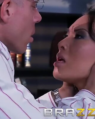 Brazzers - sloppy asain Asa Akira gets poked by her teacher