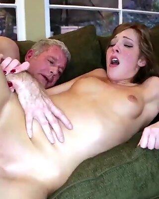 Putri Associate Horny Fucks Ayah dan Ibu Gangbang XXX Jika ada seorang nasional