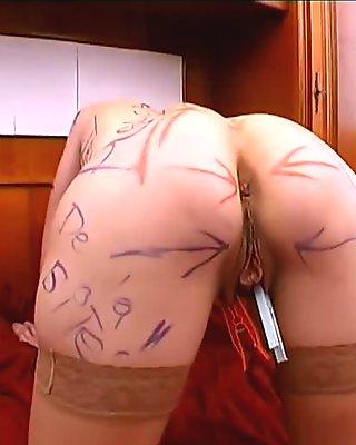 Bonne punition pour la belle blonde qui trompe son mari !!! French amateur