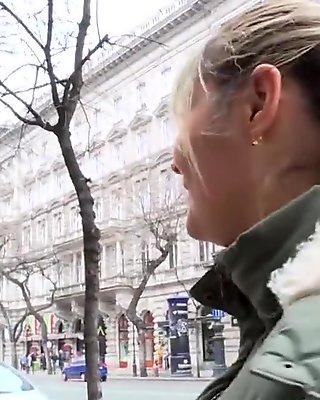 Lana analfucked during a visit of Paris