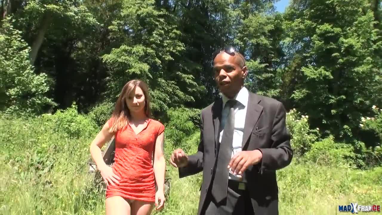 La jeune et belle Kim Equinoxx bais  e sans capote par Rick Angel